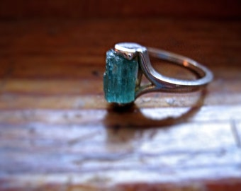 Genuine Raw Deep Green Blue Tourmaline Crystal Specimen Ring Sterling Silver handmade bohemian red ruby 4 5 6 7 8 9 10 half sizes unique odd