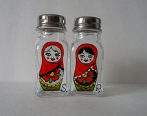 Hand painted salt and pepper shakers: Matriochka Design