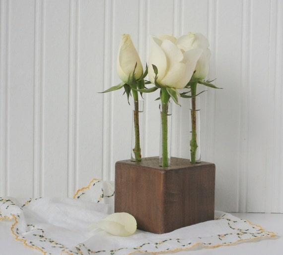 reagenzglas knospe vase holz blumenvase braun vier rosen. Black Bedroom Furniture Sets. Home Design Ideas