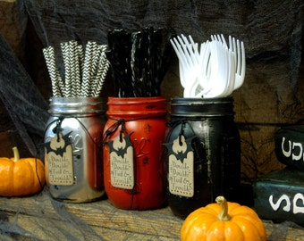 Halloween Hostess Gift Set or Holiday Gift Giving set of 3 pint size painted mason jars with cute paper tags, halloween party decor