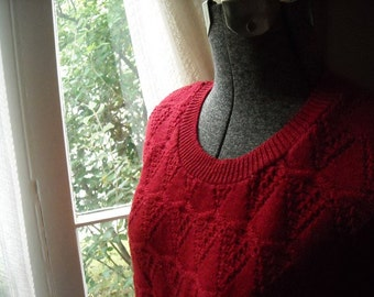 Red Sleeveless Sweater Cuddle Knit Acrylic Adorable Boxy Small
