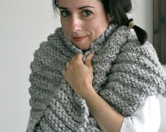 Large Chunky Cowl in Marble Grey/THE T.O.Warmer