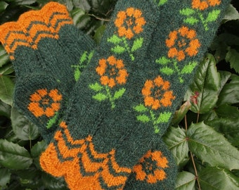 Finely Knitted (Seto) Estonian Mittens with Flowers - warm and windproof