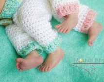 Boy Girl Twin Outfit, Newborn, Twins, Bringing Baby Home, Twin Baby Set, White Pants in Baby Blue and Soft Pink with Matching Hats