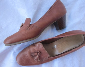 Vintage Brown Leather Heels, size 8 or 8.5, Loafers with Tassel, Stacked Wood Heels, Thick Rubber Sole