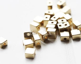 30 Pieces / Square / Spacer / Raw Brass / Cube (C492//P222)