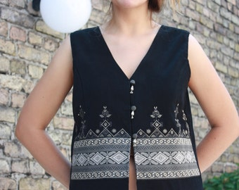 WHITE STAG - High Quality Black GORGEOUS Women's Embroidered Jacket - Vintage - can fit for Size S and M