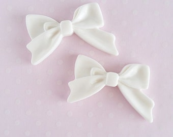 4pcs - White Sweetheart Bow Decoden Cabochon (45x30mm) BM10012