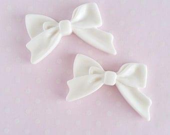 4pcs - White Sweetheart Bow Decoden Cabochon (45x30mm) BM10012