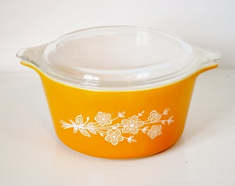 Butterfly Gold Pyrex Casserole With Lid Ovenware Baking Dish 1 Quart 473B 470 1980's