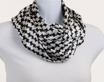 Infinity Scarf - Black and White Houndstooth look Silky Style ~ SK183-L5