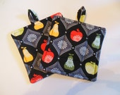 Pot Holders with Apples and Pears
