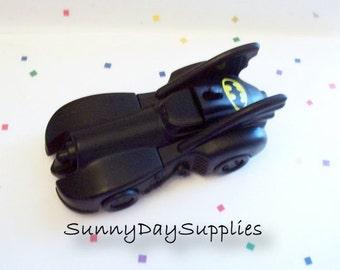 McDonald's Bat Mobile, Spring Loaded Batman Car, Batman Animated Series, 1991 to 1993 toys, Mcdonalds Happy meal Toys, 4 inch long, Bat Car