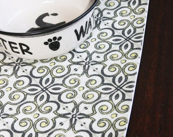 Small sized single placemat - Yellow Grey Design