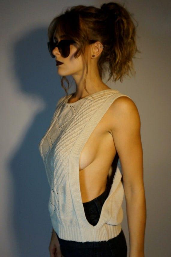 Sweater Boob 107