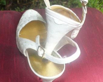 1950s Adores White Leather Peep Toe Slingback cocktail shoes size 7 by KitKatCabaret on etsy