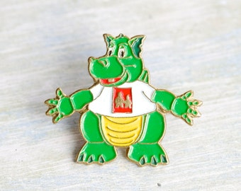 Jolly Green Dragon Badge - Hug Time