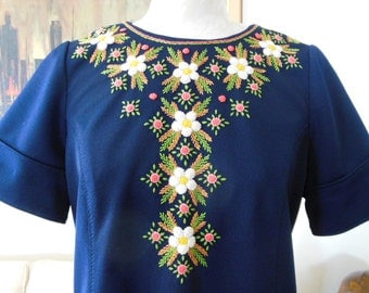 Hand Embroidered Short Sleeve Scooter Dress Vintage Handmade Short Sleeve Dress Size 10 12 14 Navy Blue Dress Embroidered Flowers
