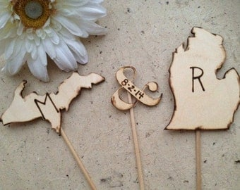Cake Toppers in the shape of the Upper and Lower Peninsulas of Michigan Personalized with your Initials and Wedding Date in Ampersand