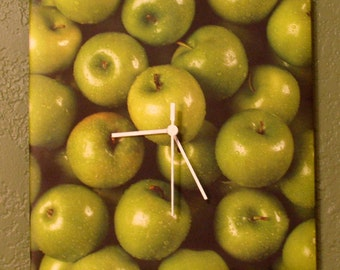 Green Apples Clock