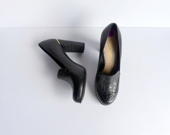 Vintage 90s Shoes Block Heels Pumps Loafers Black Leather Chunky Heel Slip Ons / Croc Shoes Loafers Gold Metallic Trim / US 9 Euro 40 UK 7