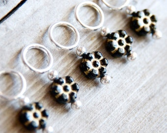 Flower Stitch Markers in Black and Gold, Set of 5, Glass, Carved, Snagless