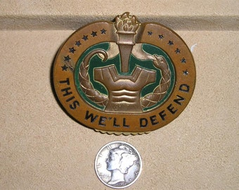 Vintage Vietnam Era Brass Drill Sergeant Campaign Badge This We'll Defend 1960's Signed Antaya Jewelry 2124