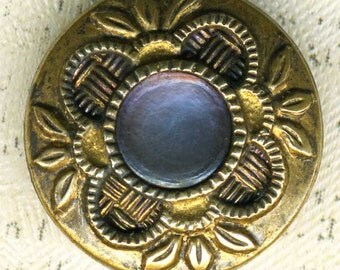 Vintage Stylized Metal Flower Button Mother of Pearl Medallion 9/16 inch 14mm Floral MOP Sewing Button