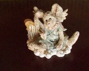 Boyds Bears and Friends Rabbit 2230 Slice Of Heaven 1993 Boyds Collection LTD Whimsical Rabbit Character