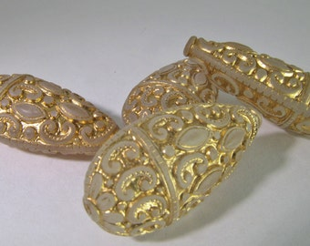 4 Ornate 30x15mm Ornate Carved Gold and Crystal Lucite Teardrop Beads Bd1268