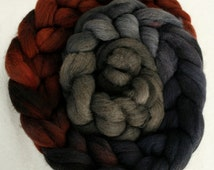 New Zealand Halfbred wool roving - long colour repeat - Plimsoll Line over natural Dark Grey