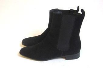 chelsea boots / black leather boots / black moto boots 6.5