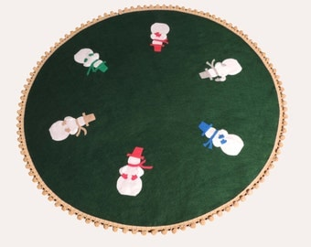 Christmas Tree Skirt 48 inch, Kelly Green Felt, Snowmen, Gold Pom Pom Fringe