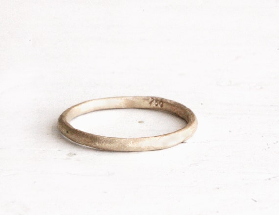 Earthy wedding ring 18k gold Sophie