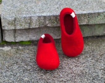 Felted slippers for kids - felted wool slippers - natural slippers - Toddler slippers - red felt slippers - red wool slippers