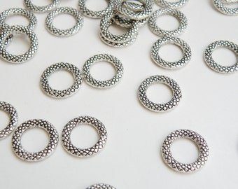 10 Diamond pattern connector links round closed soldered jump rings antique silver 14mm DB03781