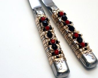 Black, Red, Ivory and Gold Beaded Salad Serving Set TABLE SETTING