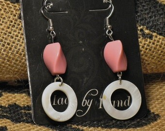 Shell hoop earrings with rosy pink beads