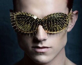 Gold pin eyewear