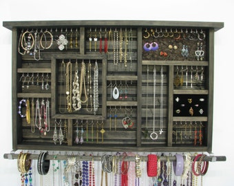 Jewelry holder hanger