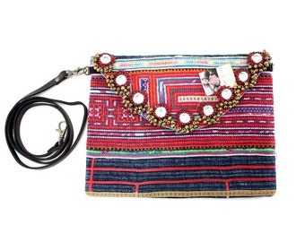CLEARANCE--Hill Tribe Clutch With Removable Strap Cross-stitch Fabric Thailand (BG065VBX30HD4)