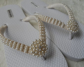 Ivory Pearls Flip Flops / Wedding Sandals Pearls Rhineston Flip Flops / Bridesmaids Shoes /Bridal Sandals....