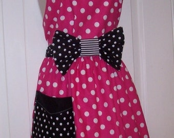 Womens Legends Minnie Mouse  Apron  Pink and black polka dots Mothers day