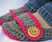 Fuchsia and grey slippers, crochet slippers, pink slippers, womens slippers, womens crochet slippers, winter fashion, button slippers, socks