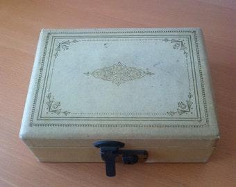 sweet old jewelry box
