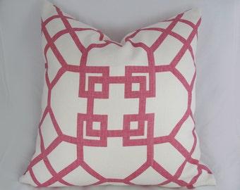 Kravet - Xu Garden in Orkid - Decorative Pillow Cover - Throw pillow - Pink -  Linen