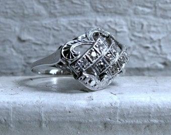 Vintage 14K White Gold Cluster Diamond Ring -0.24ct.