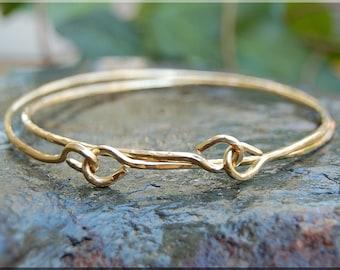 14k Gold Filled Bangle bracelet / Hammered 14k Gold Bangle / Gold Filled Bracelet / 14k Gold Bracelet / Yellow Gold Bracelet