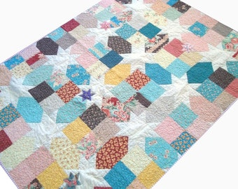 Traditional Star Quilt - Lap Quilt - Moda Fabrics