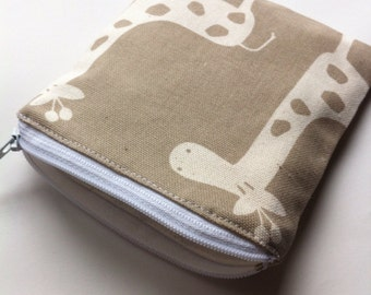 Reusable Snack Bag in Natural/Beige Giraffes